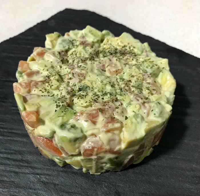 Cómo hacer mayonesa de wasabi para un tartar de salmón y aguacate